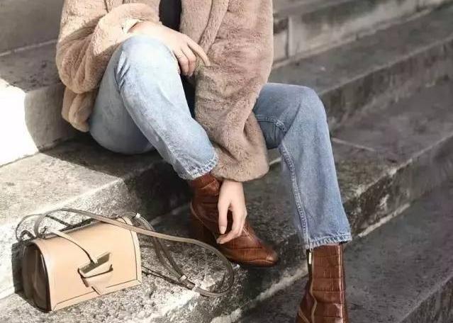 """街拍達人刷新你對皮靴的""""視""""界觀"""