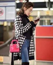 玩轉冬季時尚 | 明星最新機場街拍,大衣穿搭帥到沒朋友!