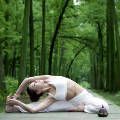 腿又短又粗?记住6个瑜伽动作