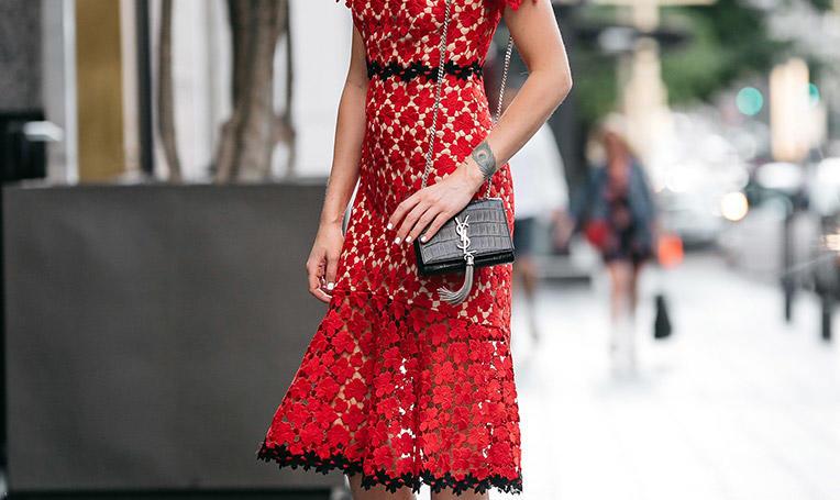 这是夏季最有女人味的一条连衣裙!