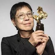 她獲5座金像獎3座金馬獎,湯唯劉德華視她為偶像,70歲依然單身住出租房活得像少女!