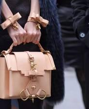 萬元以內,這些小眾簡約包包,簡直是職場清流!